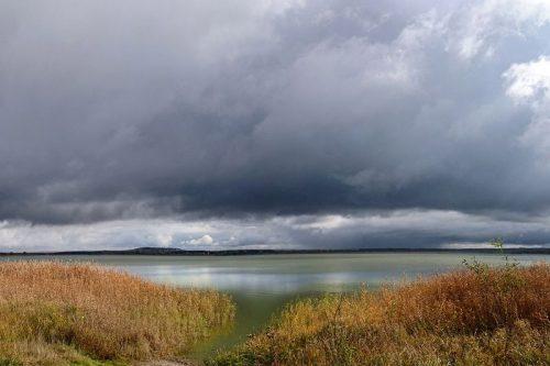 Белолебяжье озеро