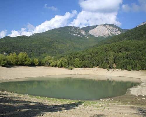 Бирюзовое озеро (Республика Крым)