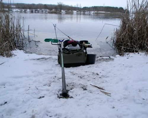 Экстремальная рыбалка зимой на фидер