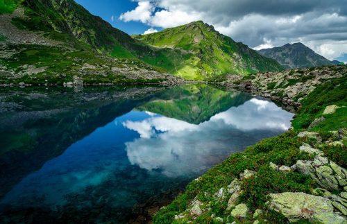 Семицветное озеро