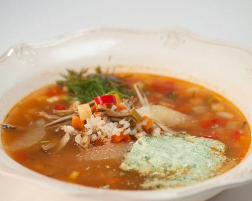 Суп из снетков с зелёной сметаной