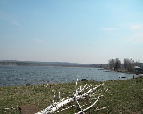 Плотинка озеро