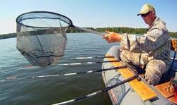 Ловля леща осенью с лодки