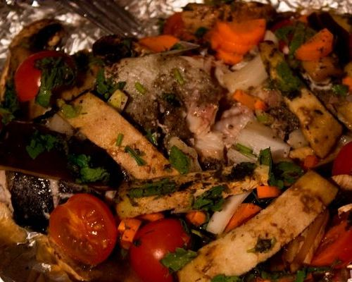 Форель, запечённая с овощами