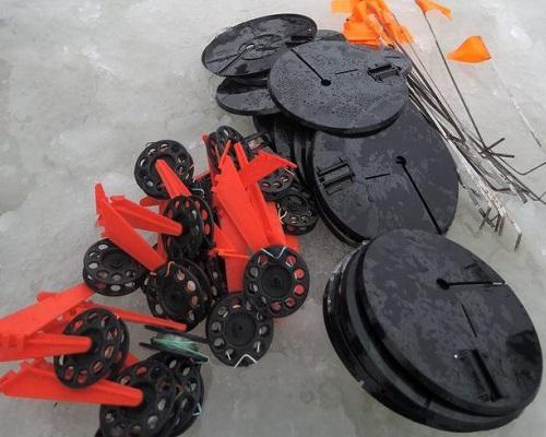 Ловля зимой со льда на жерлицу: конструкции зимних жерлиц, самостоятельное изготовление жерлиц