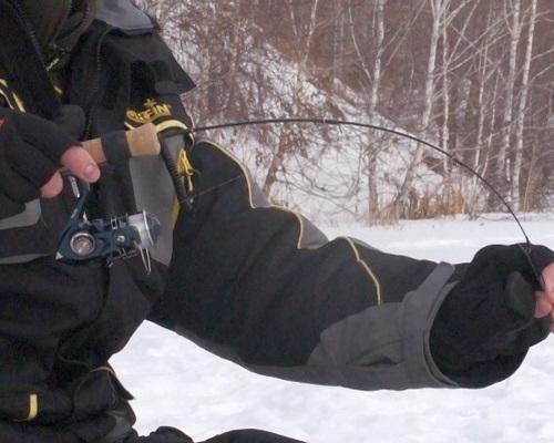 Виды зимних удочек для отвесного блеснения со льда и их оснастка