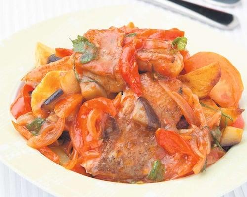 Рыба тушеная с овощами - пошаговый рецепт