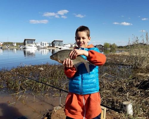 Первый канал приглашает юных рыбаков