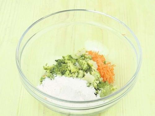 Овощные оладьи с рыбой - пошаговый рецепт