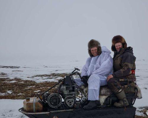 Сафари на снегоходах и рыбалка на реке Печора