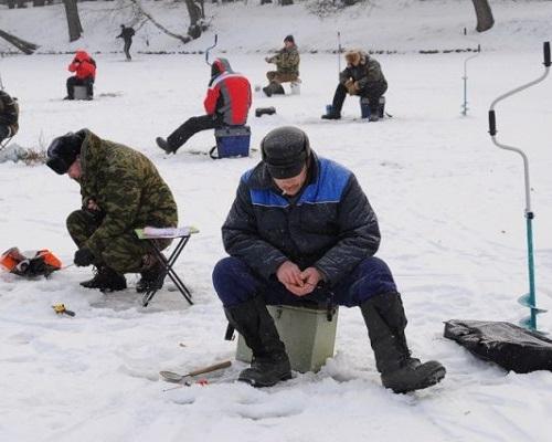 Ловля плотвы зимой на мормышку безнасадочную и с мотылем