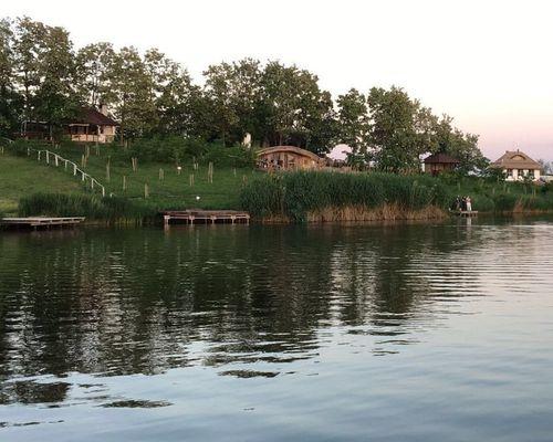 Рыбацкий лагерь «Русская деревня»