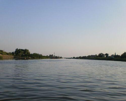 Дом для рыбаков и охотников в дельте Волги