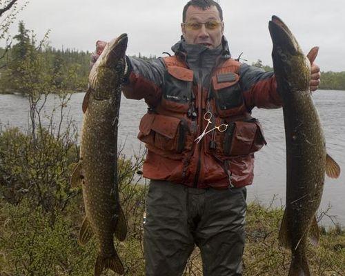 Летняя рыбалка на тундровых озерах Кольского полуострова