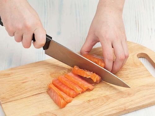 Киш с копченым лососем