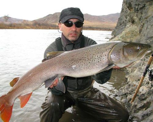 Зимняя рыбалка на реке Снежная (Хамар-Дабан)