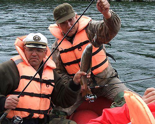 Рыбалка на реке Быстрая (Хайрюзовская)