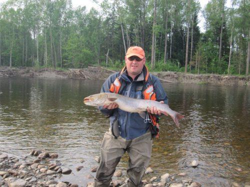 Рыбалка-сплав на реке Мая
