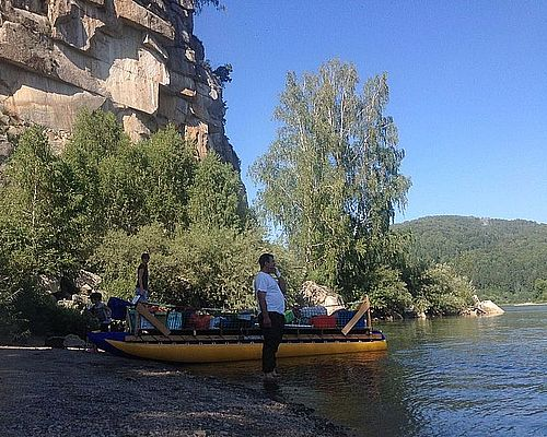 Сплавы с рыбалкой по горным рекам Бия и Лебедь