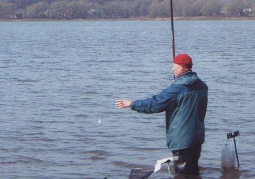 Ловля уклейки в мае на поплавочную удочку